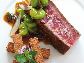 Wagyu beef sirloin, gaudes semolina fries,bean sprouts in juice.