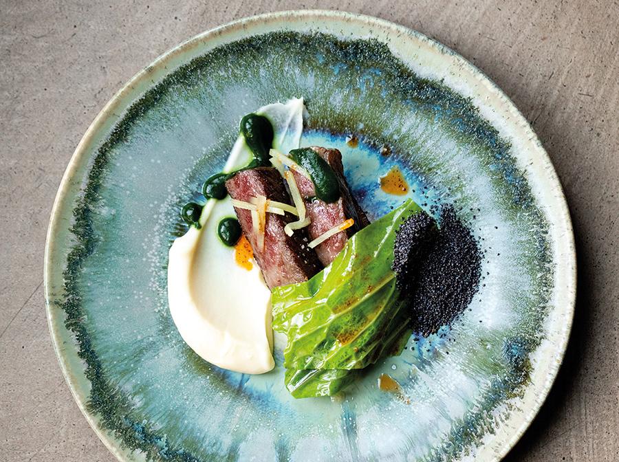 Barbecued Wagyu sirloin / Pontoise cabbage / celery / Shungiku